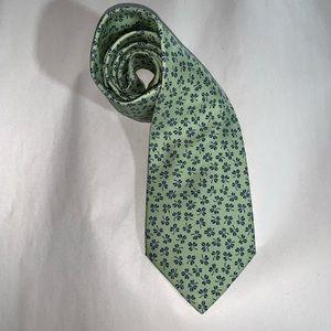auth HERMÈS pale mint green SILK necktie w/clovers